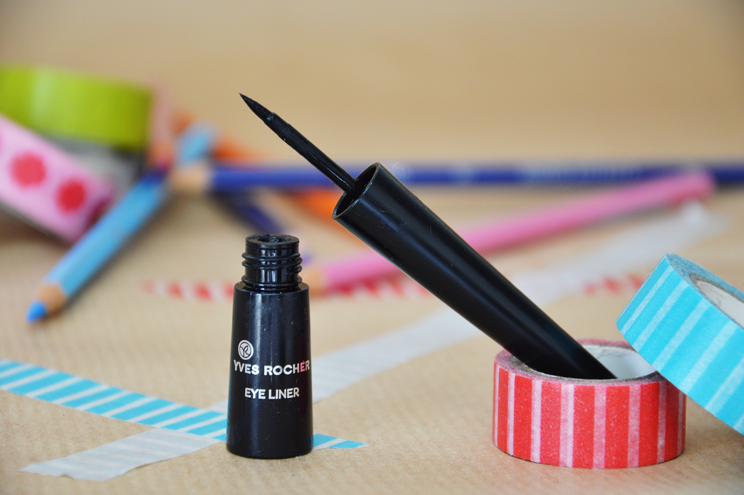 advance-your-style.de, Let's Talk About Beauty, Blogger Reihe, Beauty Tipps, Summer Edition, Yves Rocher Eyeliner schwarz