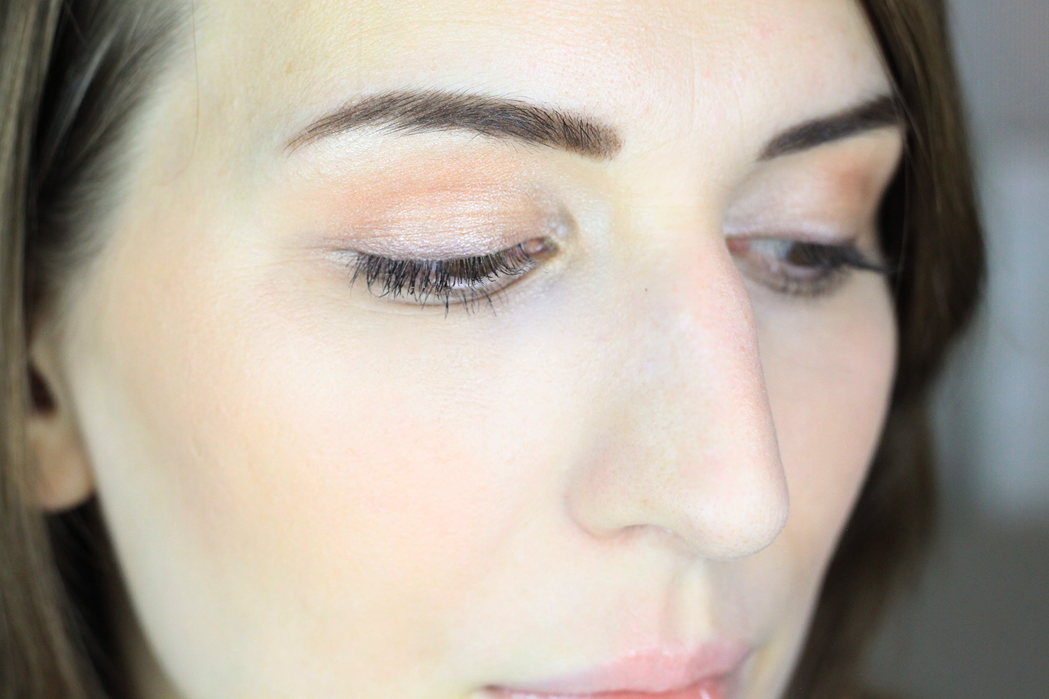 www.advance-your-style.de, Beautyblog, Berlin, Monday's Makeup, Makeup für helle Haut, Beautytipps, Makeup Tutorial, Makeup Tausch, Julia von Dreaming in Berlin , Augen Makeup, Mary-Loumanizer, The Body Shop Apricot Blush