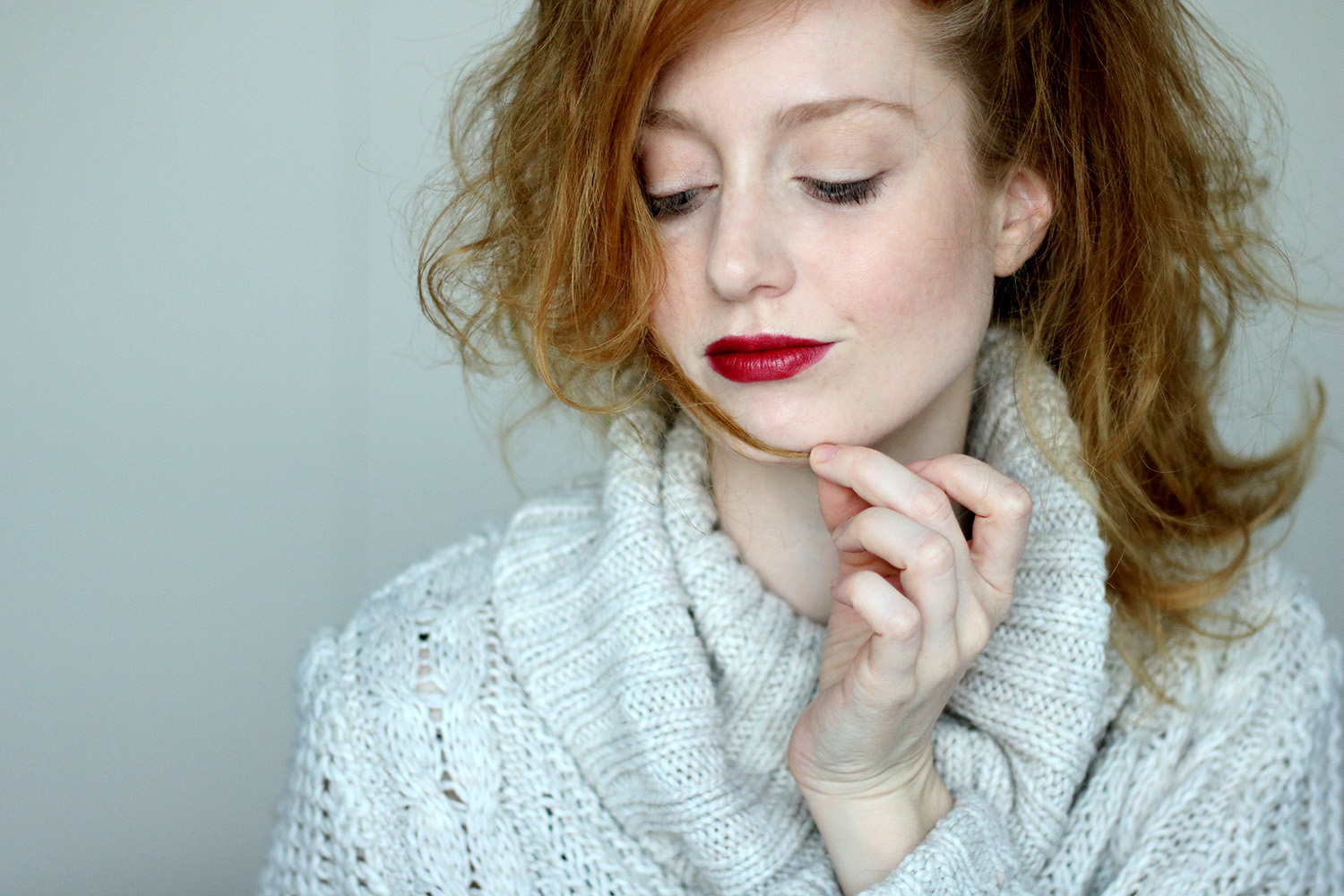 Advance Your Style, Beautyblog, Berlin, Influencer, Monday's Makeup, Fokus auf den Lippen, helle Haut, Valentinstag, Beautytipps, Makeuptipps, Makeup Tutorial, Maybelline New York, Moisture Extreme Lippenstift, 590 Burgundy, ZOEVA Naturally Yours