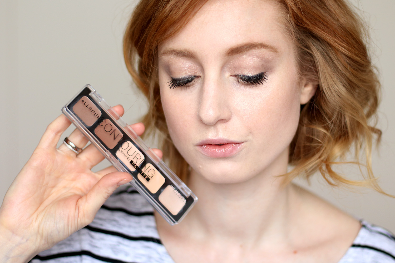 Palette, Conturing Tipps, Kontur setzten, Kontur, CATRICE ALLROUND Contouring Palette, Review, Test, Swatch, Tagesmakeup, Alltagsmakeup, helle Haut, rote Haare, Makeup Tutorial, Monday's Makeup, Beautytipps, Beauty Blog, Berlin, Influencer, Advance Your Style, advanceyourstyle
