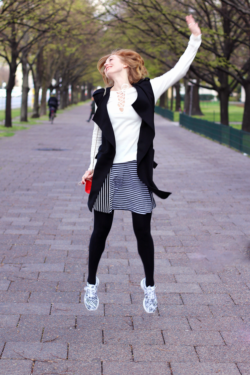 Look, Styling, Fröhlich, ZALON Styling Challenge, Mode-Experte, Frühling, Mode, Mustermix, Outfit, Streetstyle, blonde Haare, helle Haut, Influencer, Deutschland, Berlin, Streetstyle, Mode Blog, Advance Your Style, advanceyourstyle