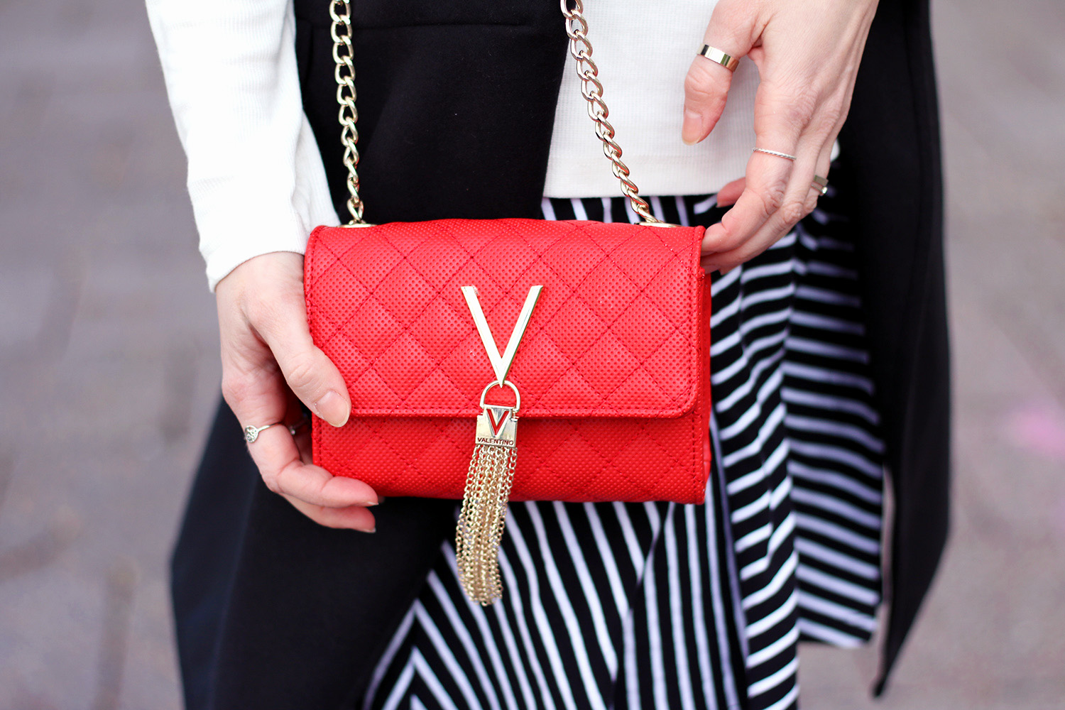 Tasche, Rot, Valentino, ZALON Styling Challenge, Mode-Experte, Frühling, Mode, Mustermix, Outfit, Streetstyle, blonde Haare, helle Haut, Influencer, Deutschland, Berlin, Streetstyle, Mode Blog, Advance Your Style, advanceyourstyle