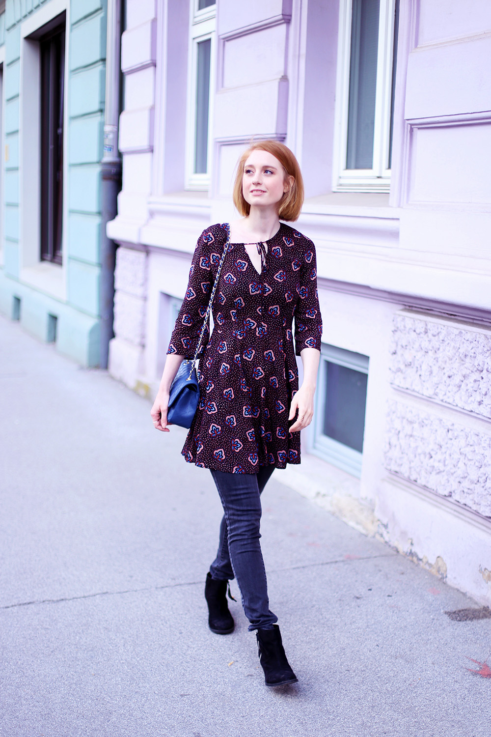 Fruehlingslook, Schwarzes Minikleid, Sommer, Streetstyle Innsbruck, Outfit, Trend, Modetipps, Finde deinen Stil, Influencer, Deutschland, Berlin, Mode Blog, Modeblog, Advance Your Style, advanceyourstyle