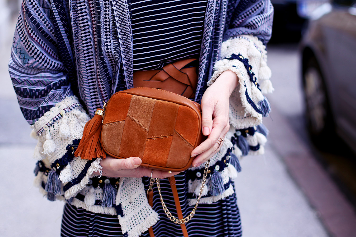 Sommer Trend, Tasche, Patchwork Tasche, Leder Tasche, Trendthema Bommel, Sommer, Streetstyle Innsbruck, Outfit, Trend, Modetipps, Finde deinen Stil, Influencer, Deutschland, Berlin, Mode Blog, Modeblog, Advance Your Style, advanceyourstyle