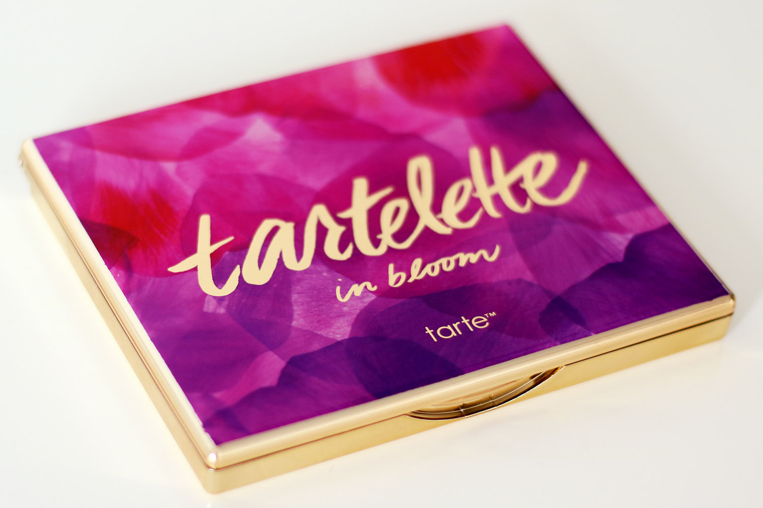 Palette Verpackung Erfahrungsbericht Tarte Tartelette In Bloom Review Lidschattenpalette Makeuptutorial Helle Haut Swatch Beauty Blog Mondays Makeup Advanceyourstyle Berlin Influence