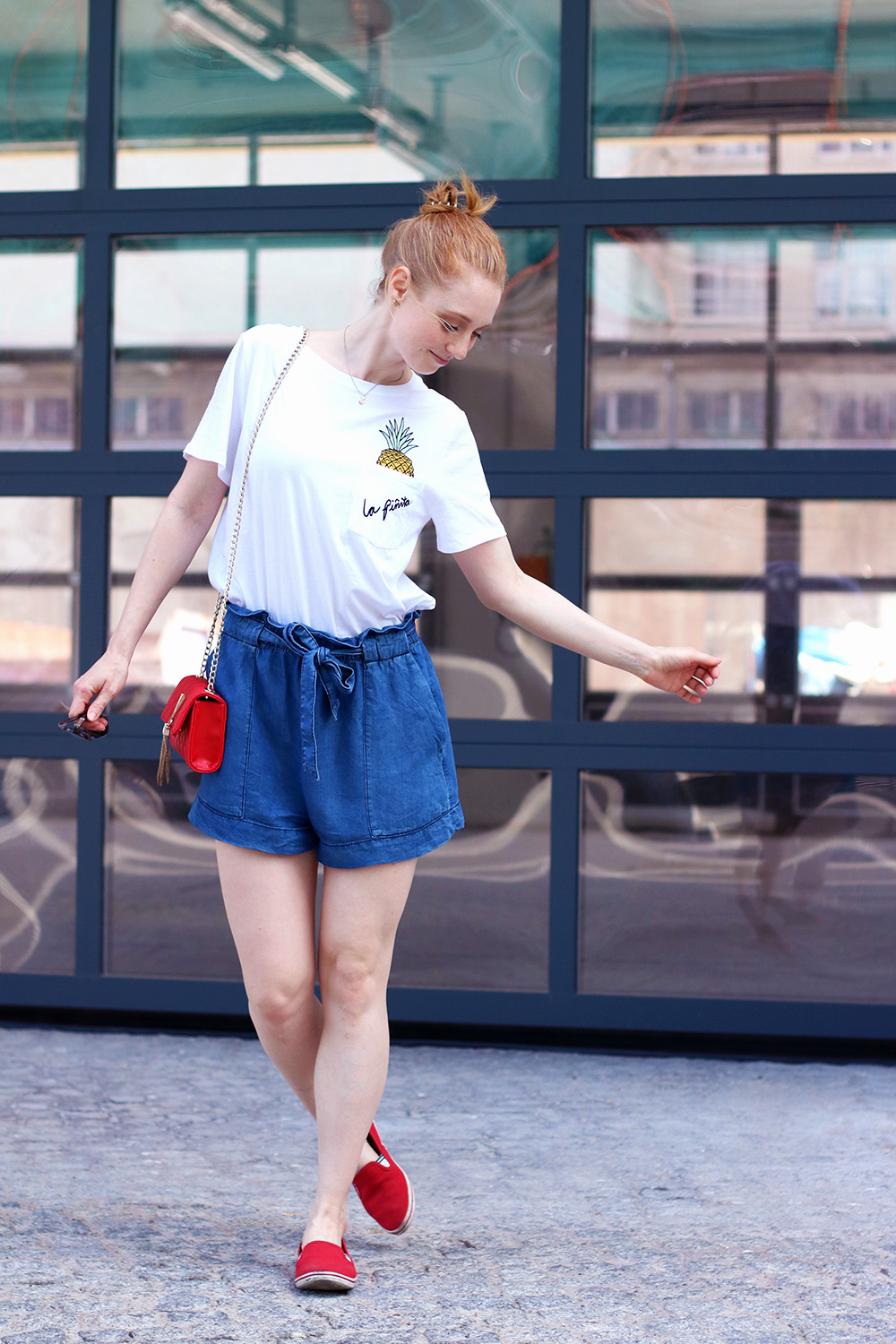 Blue, Jeans Shorts, Pants, Summer Look, Outfit, Tips, Streetstyle, Fashion Tips, Find Your Style, Influencer, Germany, Berlin, Fashion Blog, Fashion Blog, Advance Your Style, advanceyourstyle