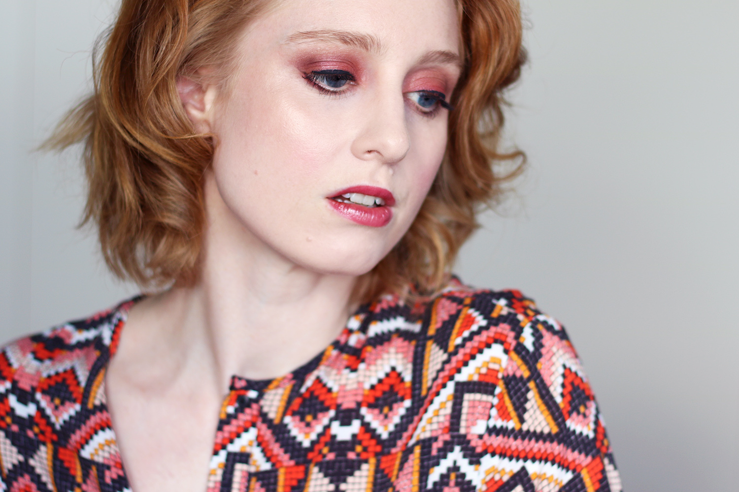 beni durare, supermodel, Lippenlack, margeaux, Swatch, Herbsttrend Make-up, Rot, Rostrot, helle Haut, empfindliche Haut, rote Haare, Makeup Tipps, Beauty Tipps, Makeup Tutorial, Beautyblog, Berlin, Influencer, Mondays Makeup, Advance Your Style